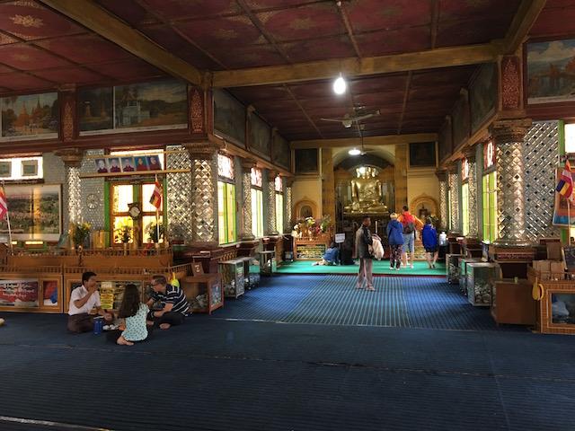 インディン遺跡内の寺院内部の様子