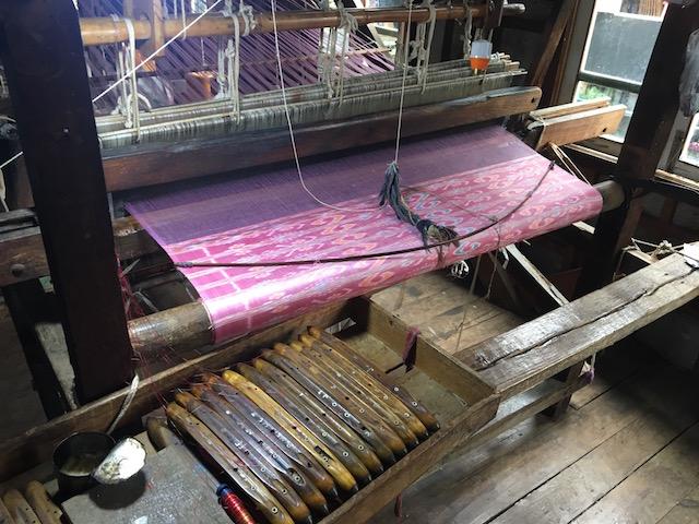 蓮の繊維を混ぜた織物