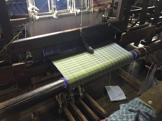 蓮の繊維を混ぜた布