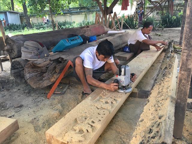 シュエナンドー僧院の修復作業