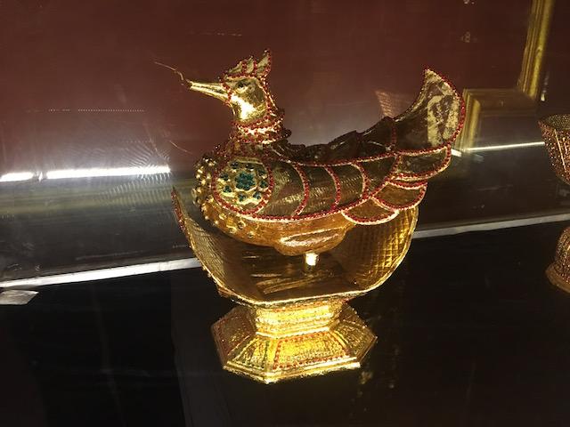 ネピドー国立美術館の展示品